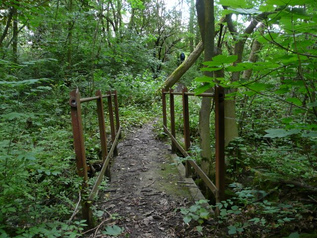 File:Bridge over dried up stream - geograph.org.uk ...