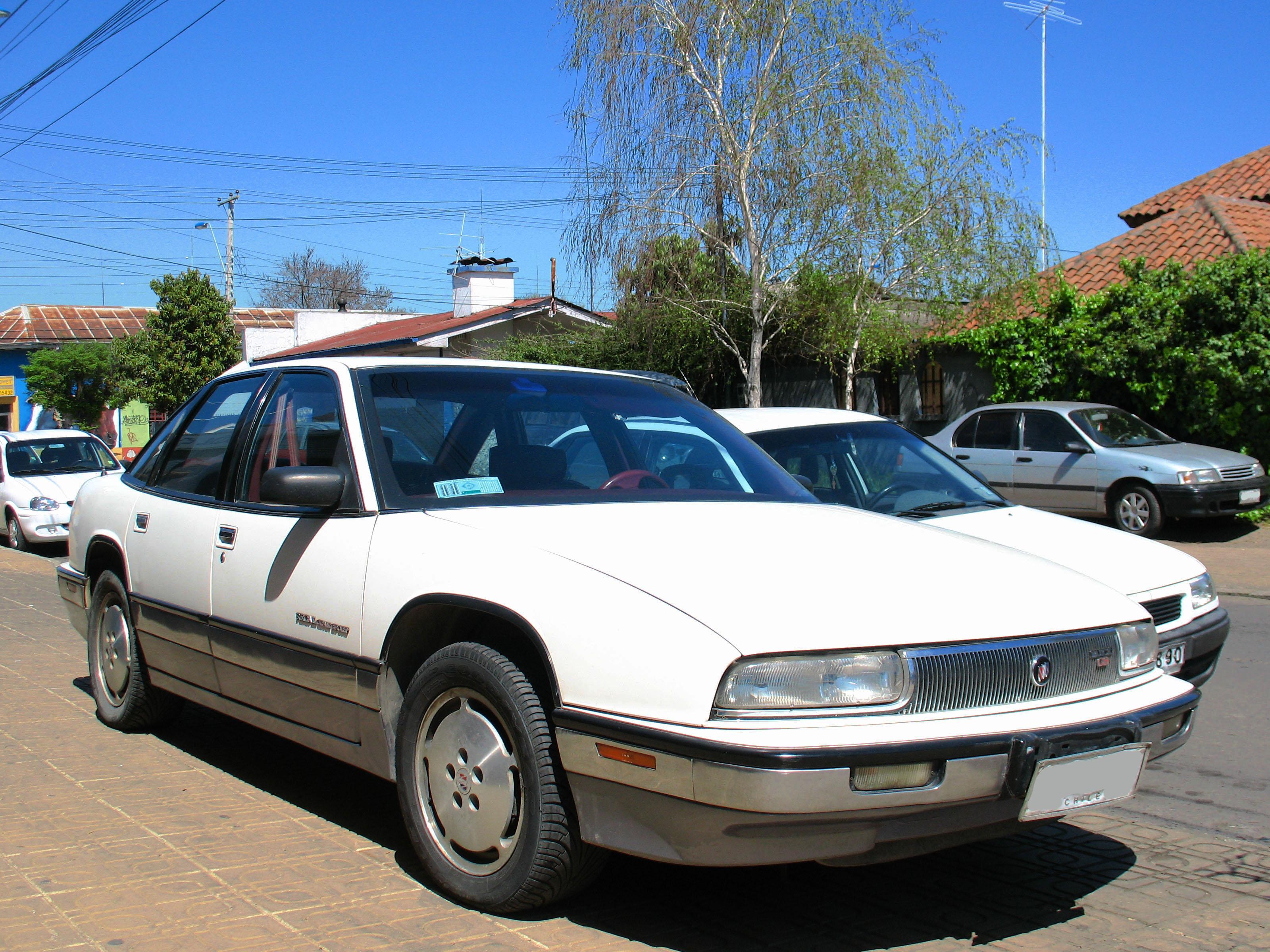 FileBuick Regal Grand Sport 1991 12021322284