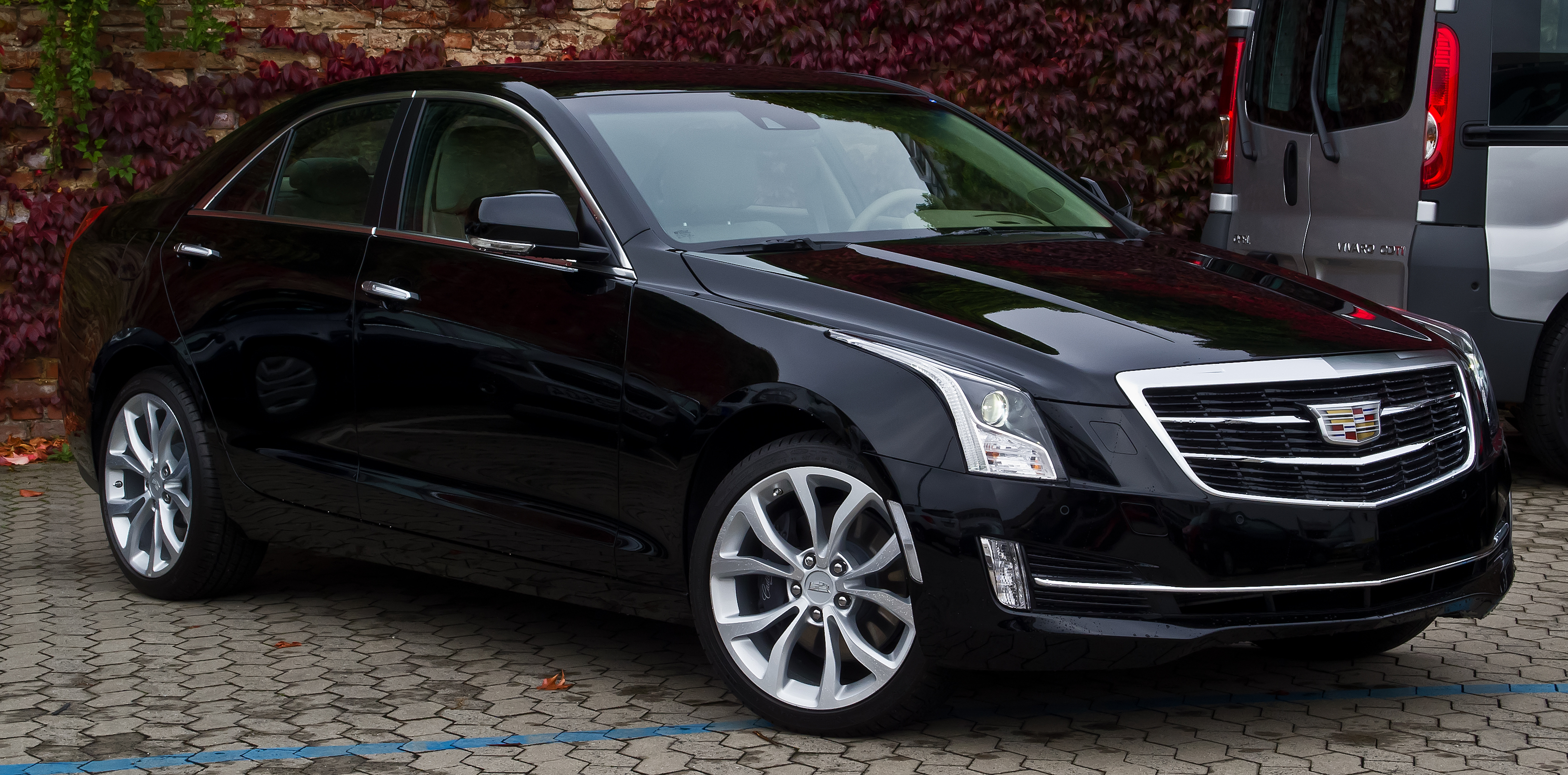 file cadillac ats 2 0 turbo awd premium frontansicht 16 oktober 2015 d. Black Bedroom Furniture Sets. Home Design Ideas