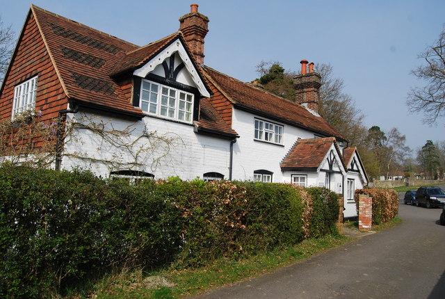 Chestnut Cottage, School Hill, Old Heathfield (2) - geograph.org.uk - 1248008.jpg