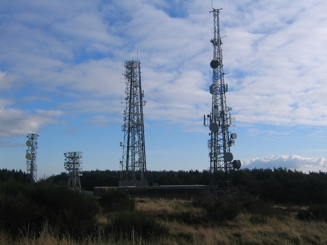 Communication masts on Eston Nab - geograph.org.uk - 1625630