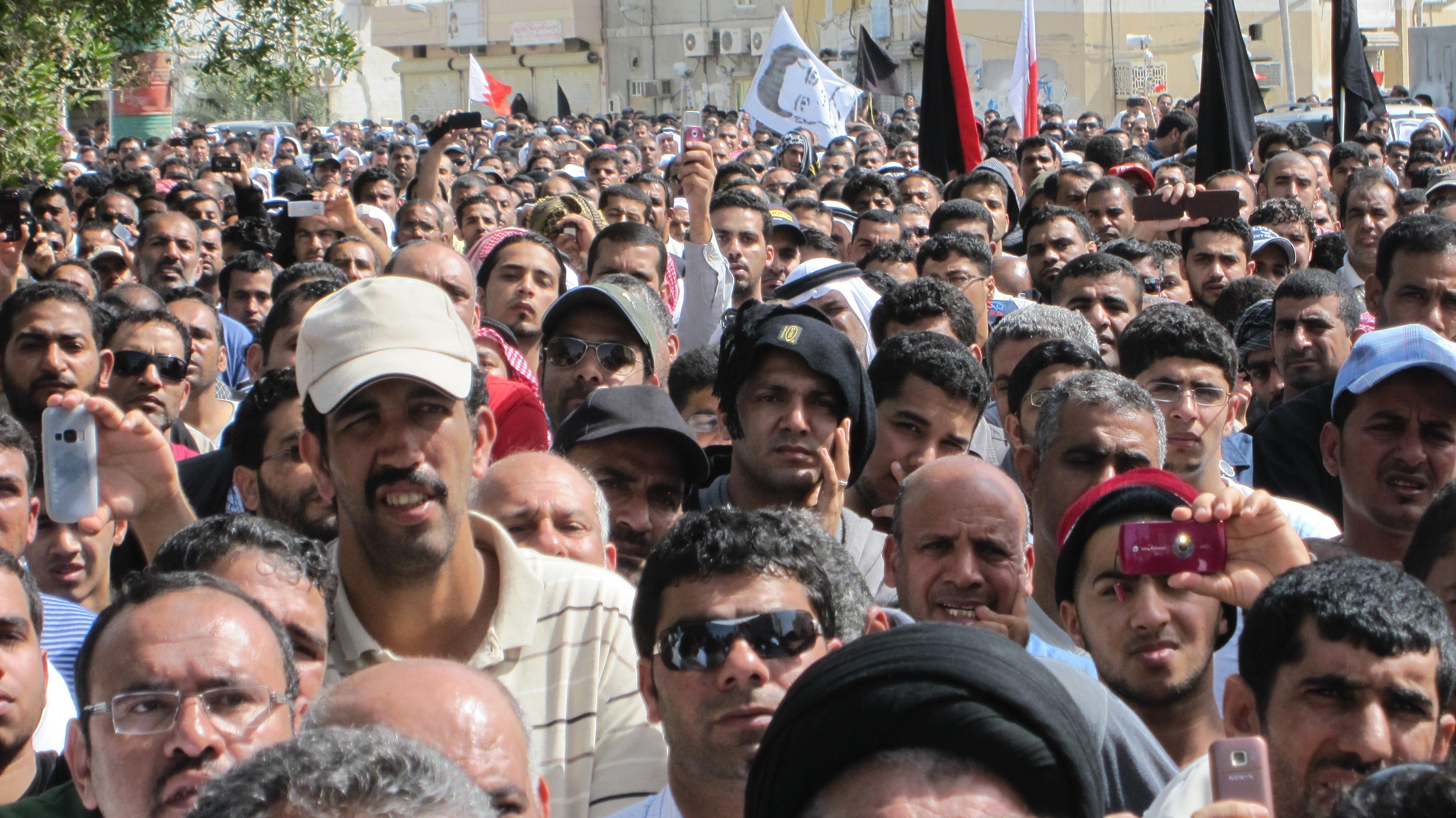 File:Crowd shot - Flickr - Al Jazeera English.jpg - Wikimedia Commons