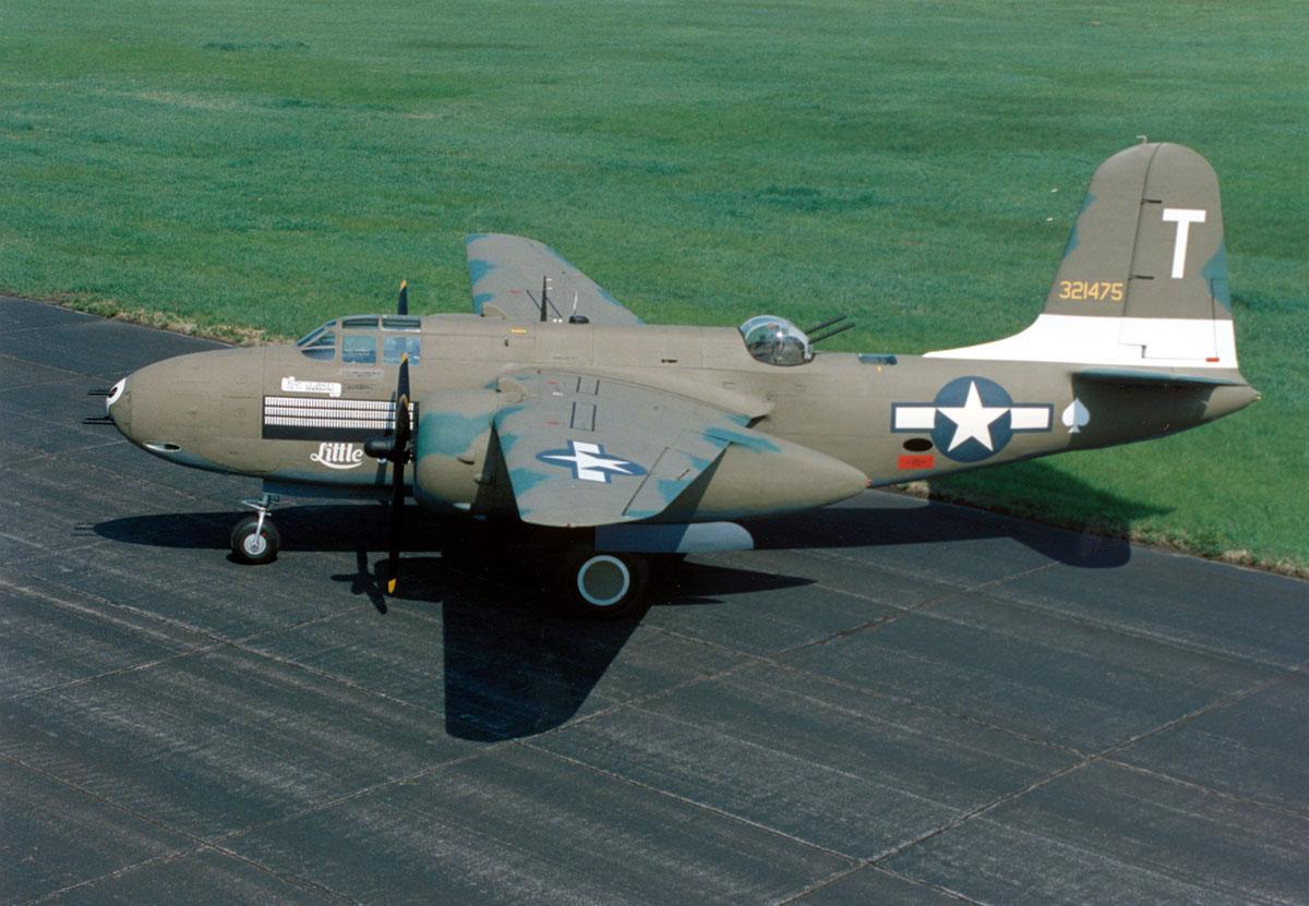 https://upload.wikimedia.org/wikipedia/commons/e/eb/Douglas_A-20G_Havoc_USAF.jpg