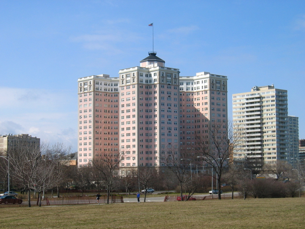 N Sheridan Apartment Building High Rise Chicago Il