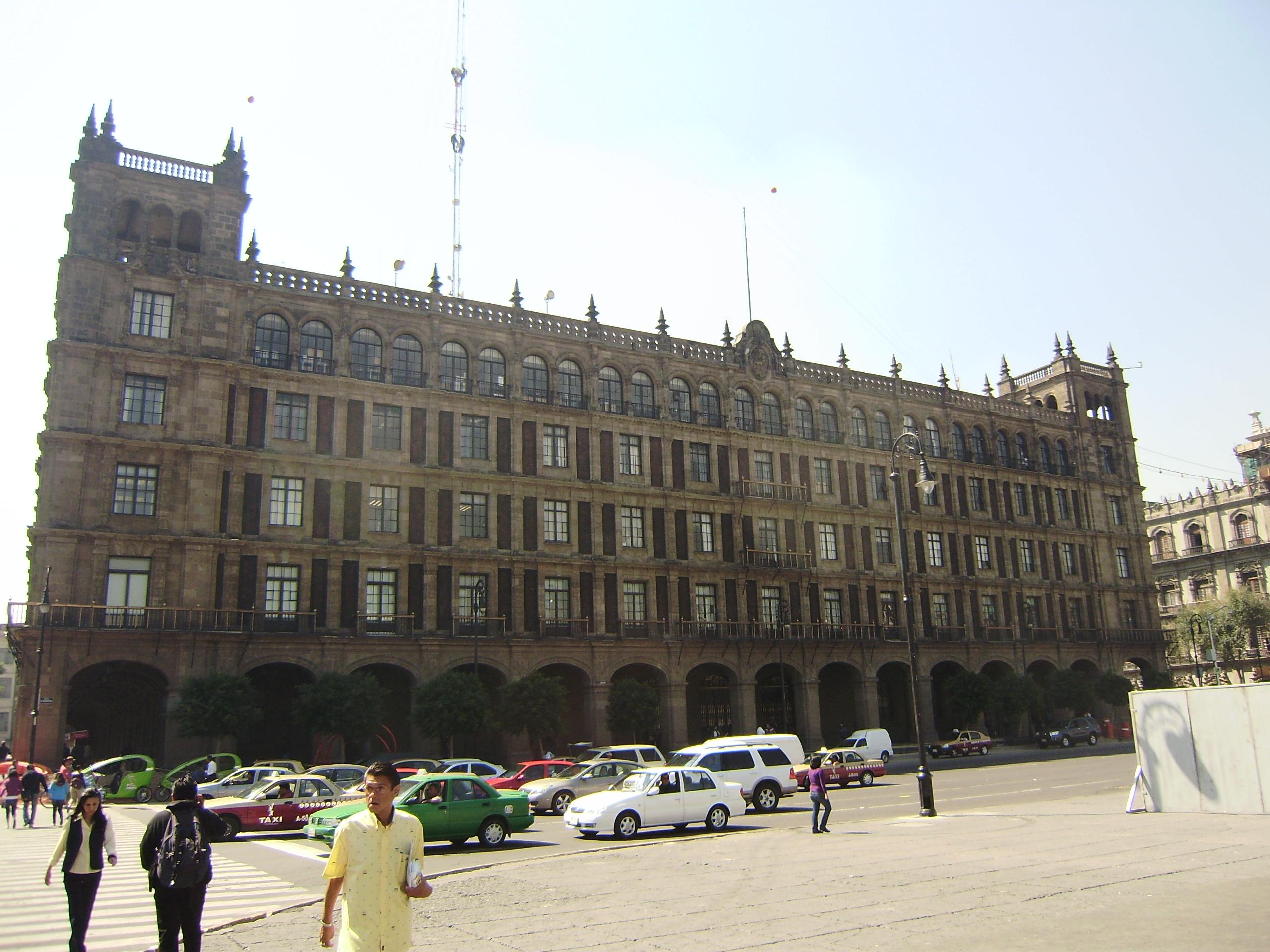 File:Edificio de Gobierno del Distrito Federal.jpg - Wikimedia Commons