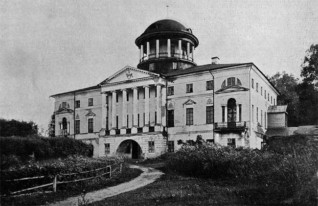 Дворец князя Потёмкина в Покровском Смоленской губернии (1785-86) перешёл от него по наследству к Энгельгардтам