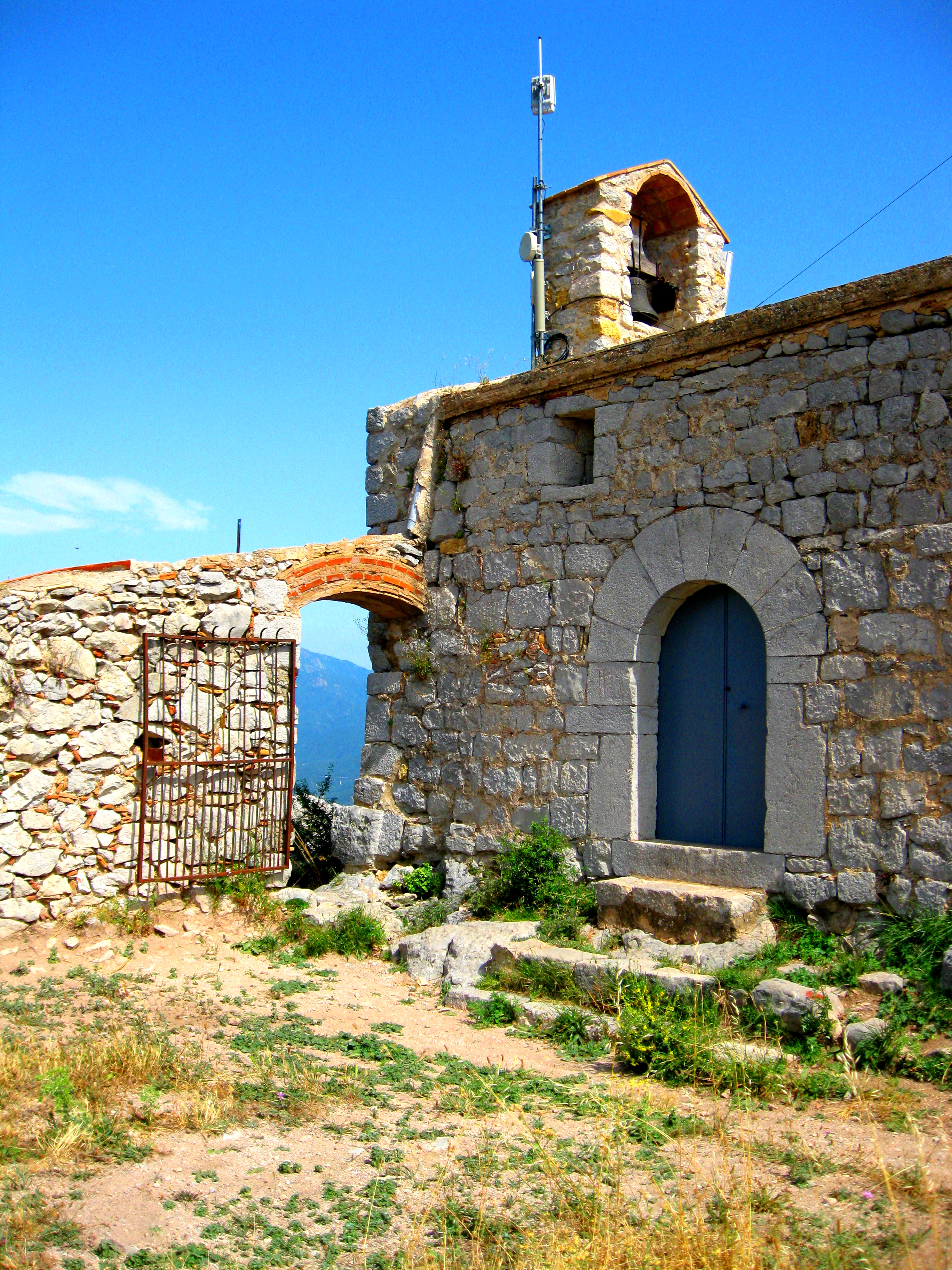 File:Ermita de Santa Magdalena de Terrades 2013 ( 3).JPG - Wikimedia Commons