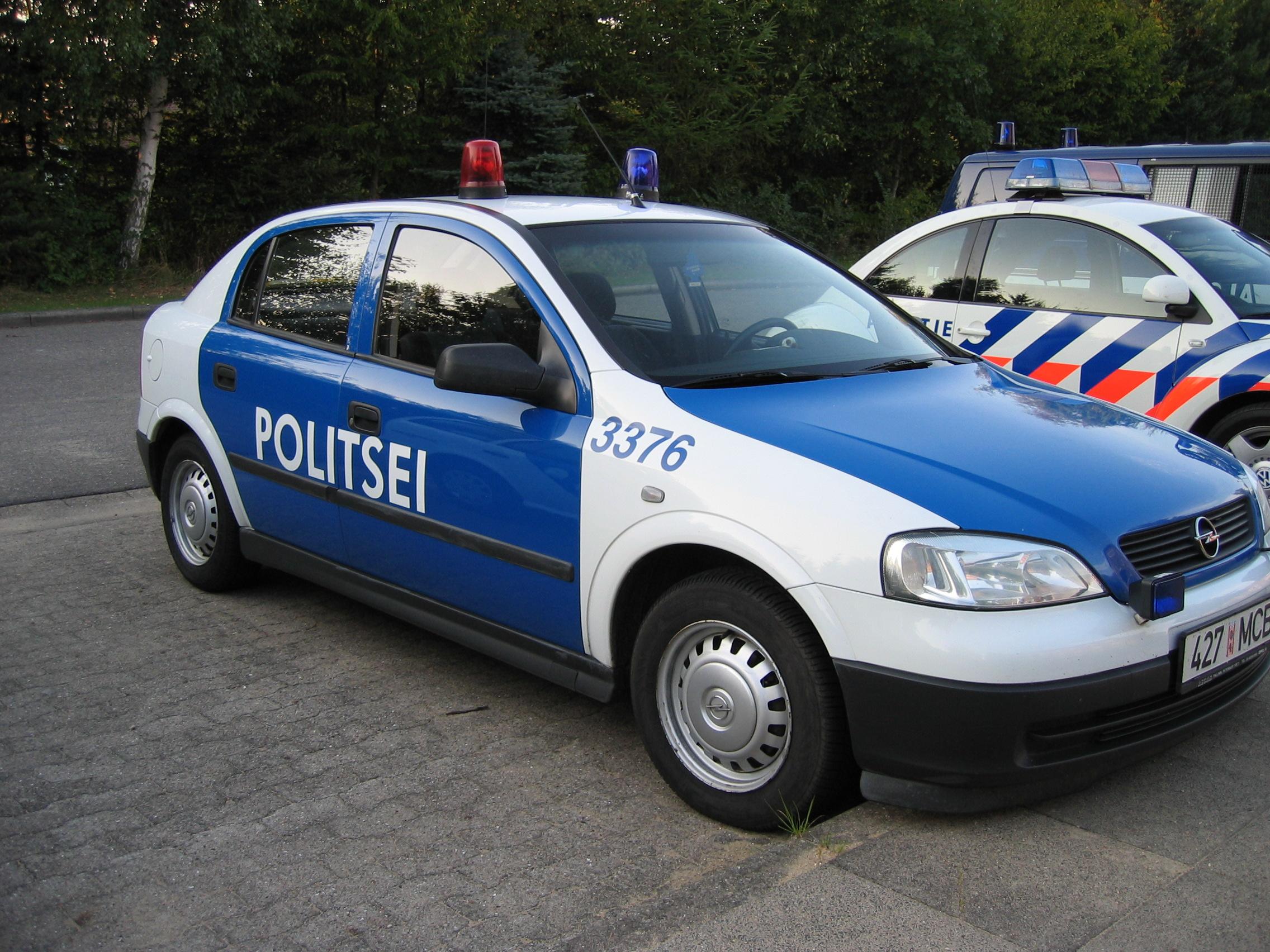 Build Your Own Car >> File:Estonia police car 03.JPG - Wikimedia Commons