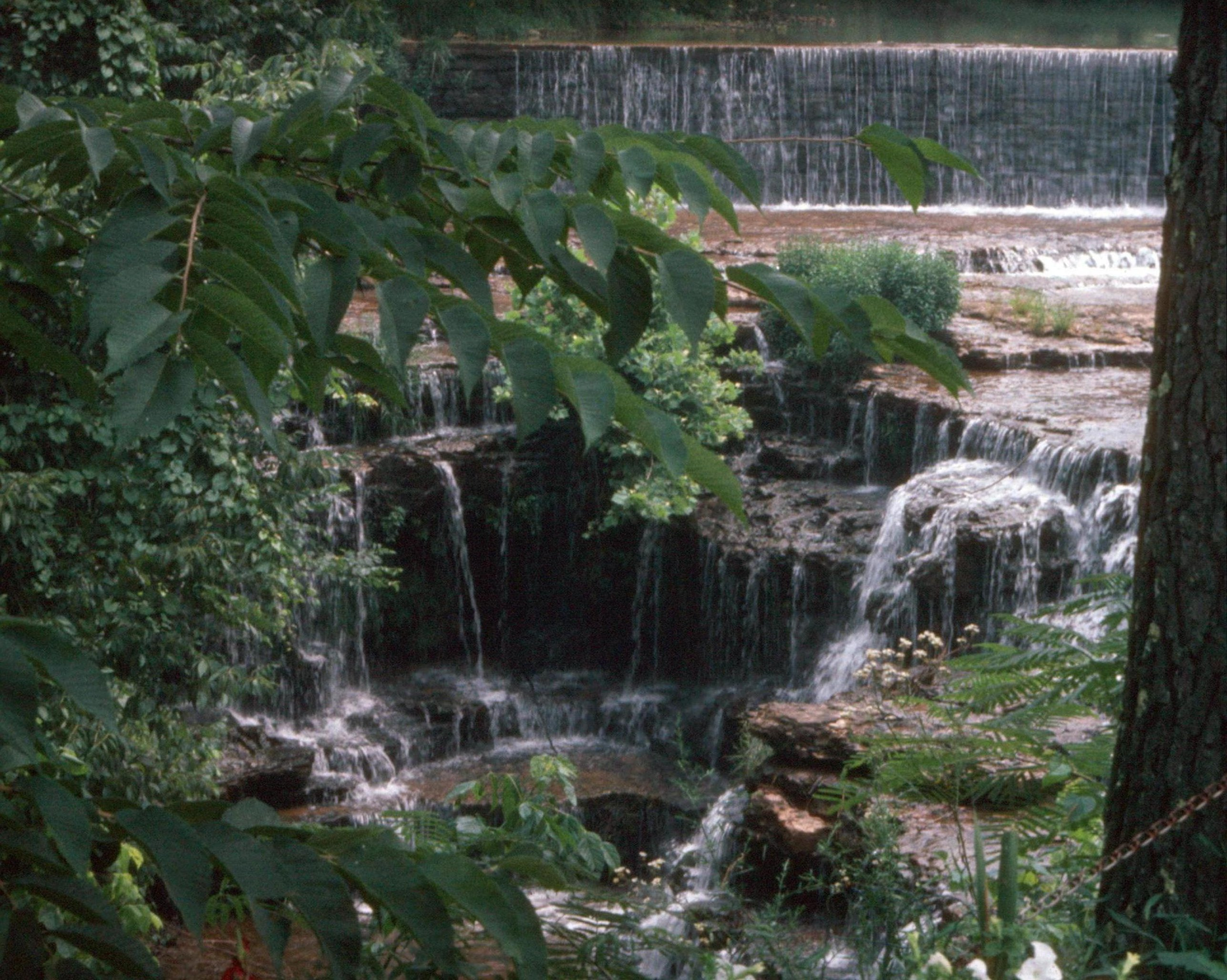 File fiery gizzard waterfall in addition Hawaii furthermore Nashville in addition St Edwards University Landscape Master Plan besides LocationPhotoDirectLink G60842 D1524235 I50894297 The Village Shops Gatlinburg Tennessee. on tennessee location map