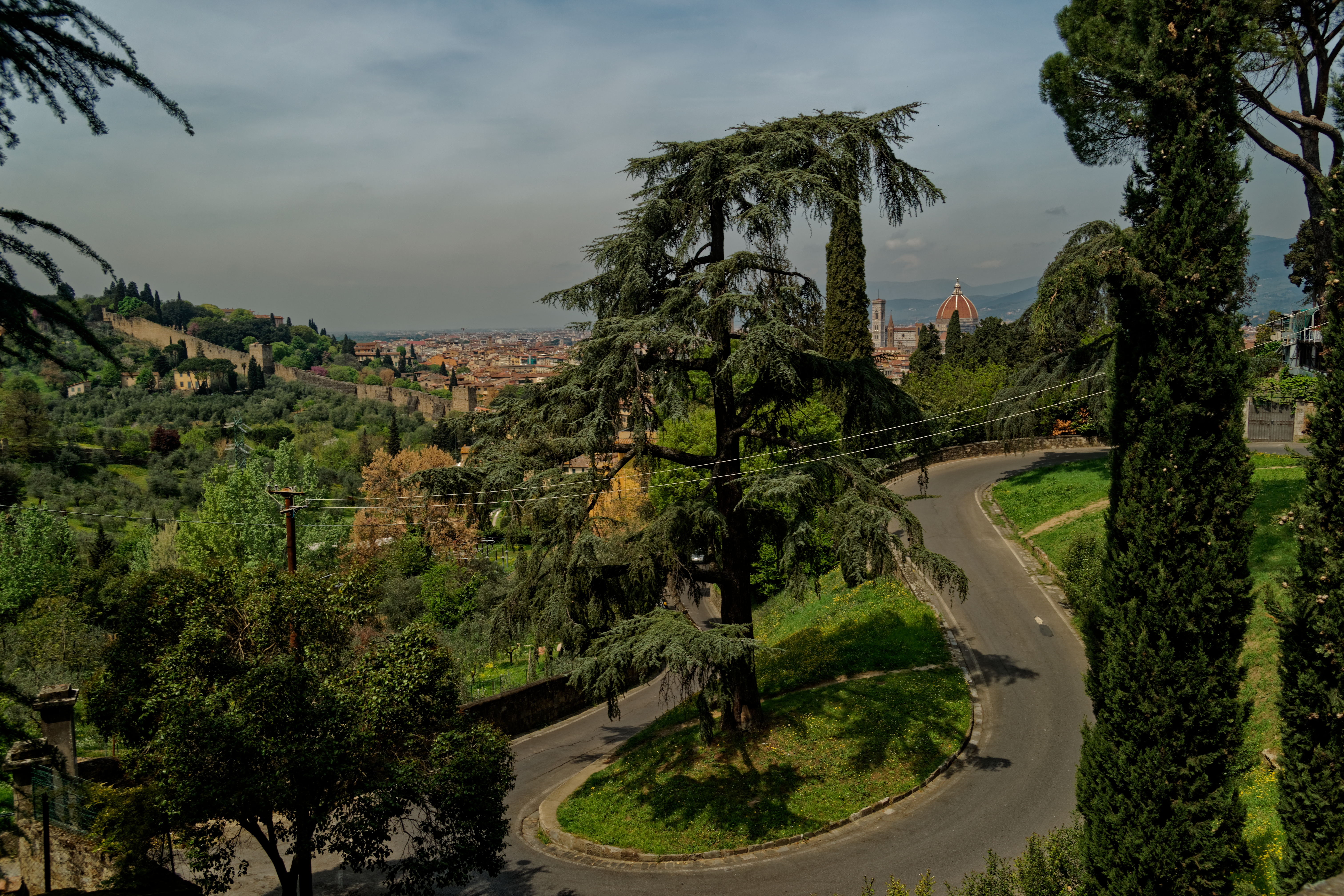 Firenze - Florence - Via del Monte alle Croci - View NNW towards il Duomo.jpg