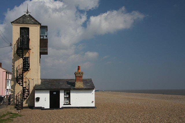 File:Former coastguard lookout, Aldeburgh - geograph org uk