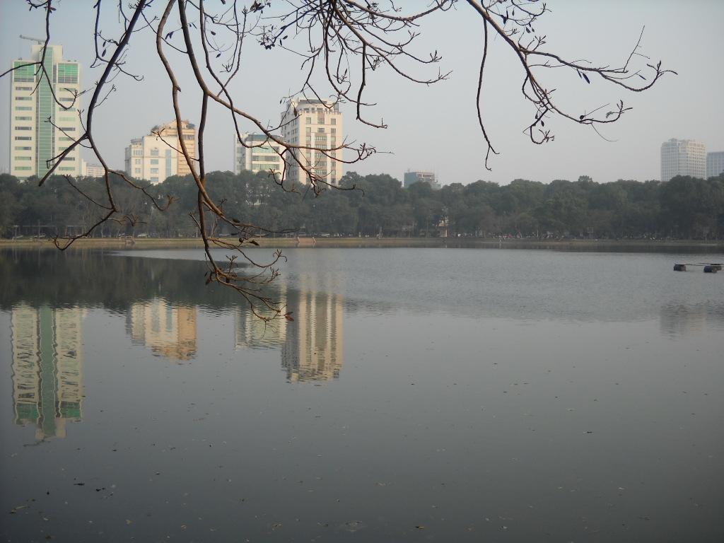 Hồ Thiền Quang tại Quận Hai Bà Trưng. Ảnh Wikipedia Tiếng Việt