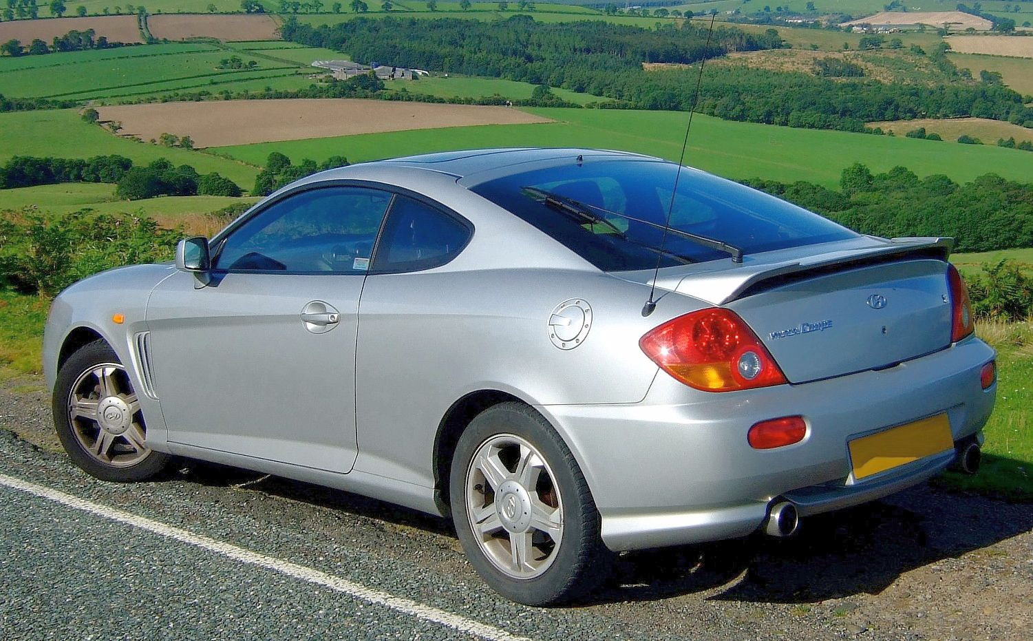 file hyundai coupe 2002 wikimedia commons. Black Bedroom Furniture Sets. Home Design Ideas