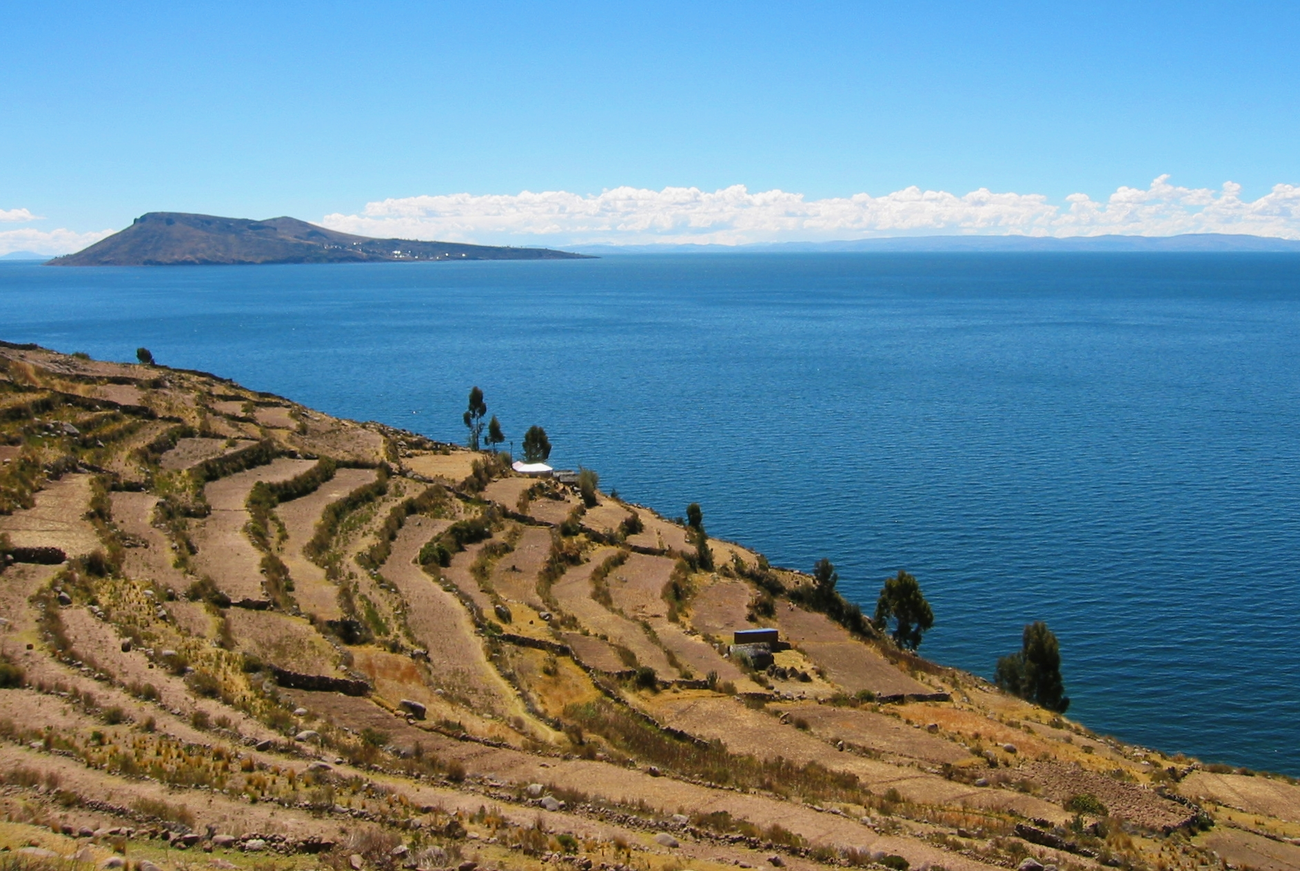 Lake Titicaca Has How Many Islands