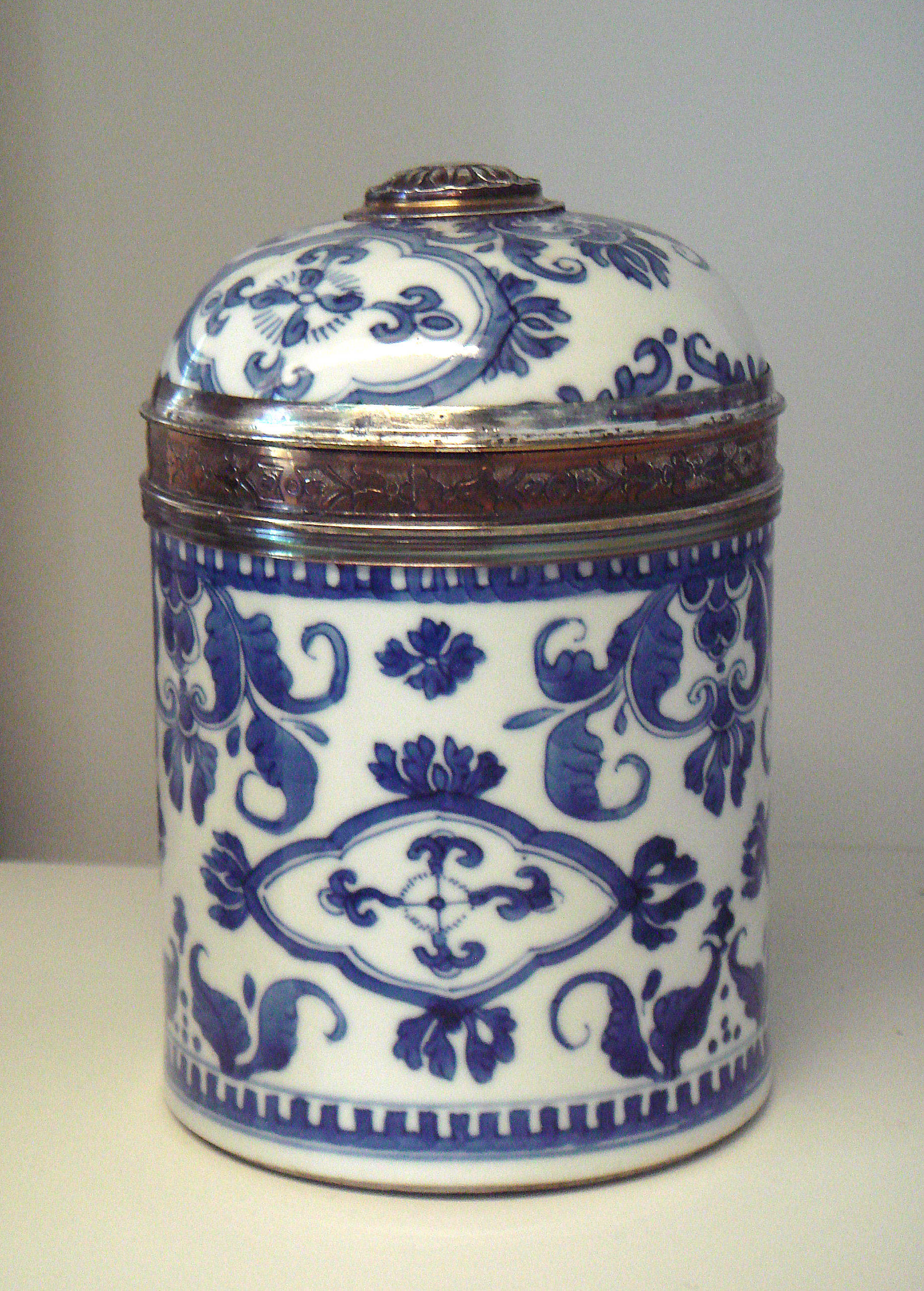 Blue and white pottery - Blue And White Porcelain Search For Videos
