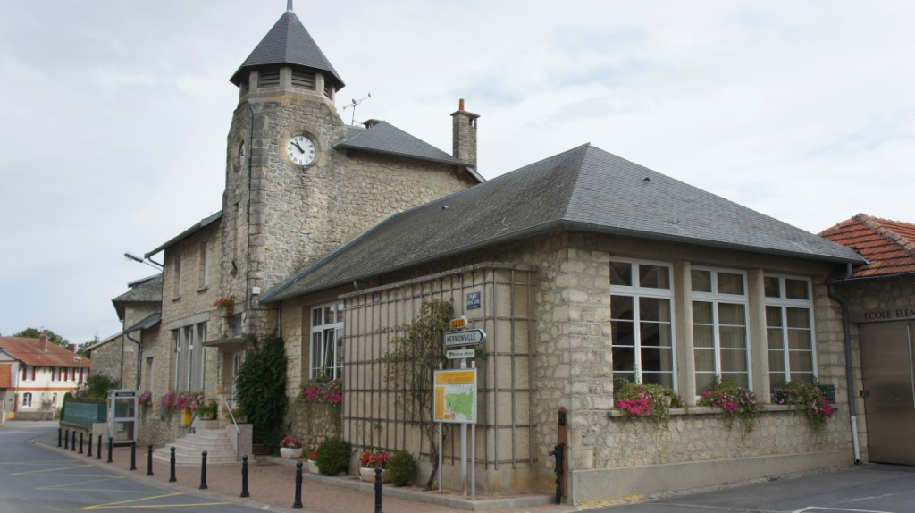 Mairie de Cauroy-lès-Hermonville.