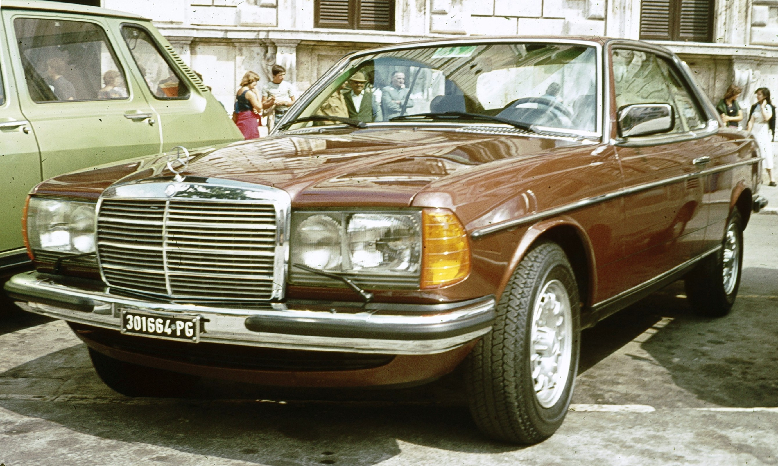 File Mercedes Benz W123 Coupe Perugia Jpg Wikimedia Commons