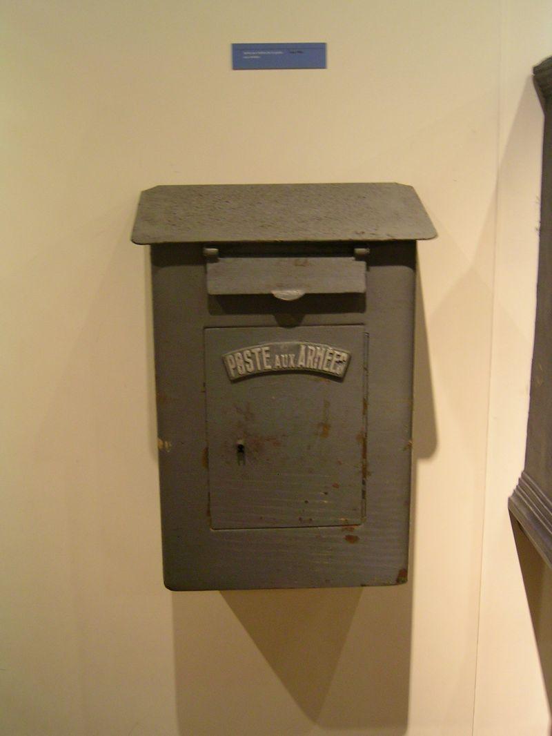 file musee de la poste boites aux lettres des arm. Black Bedroom Furniture Sets. Home Design Ideas