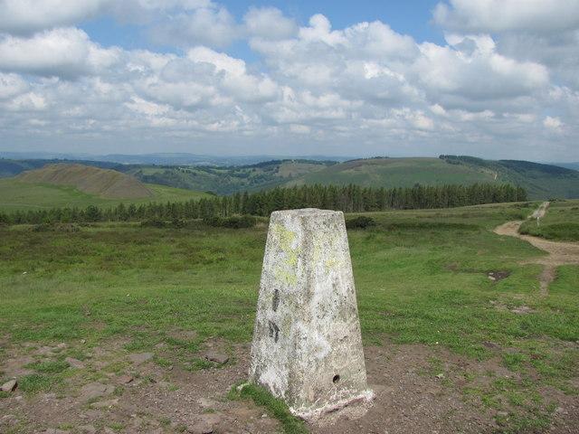 Mynydd Machen trig point - geograph.org.uk - 3001553