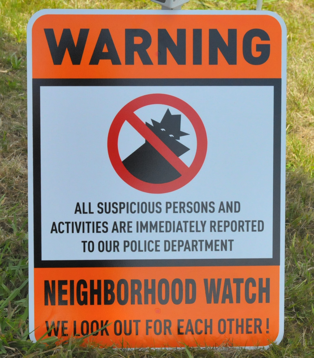 https://upload.wikimedia.org/wikipedia/commons/e/eb/Neighborhood_Watch_Sign.jpg