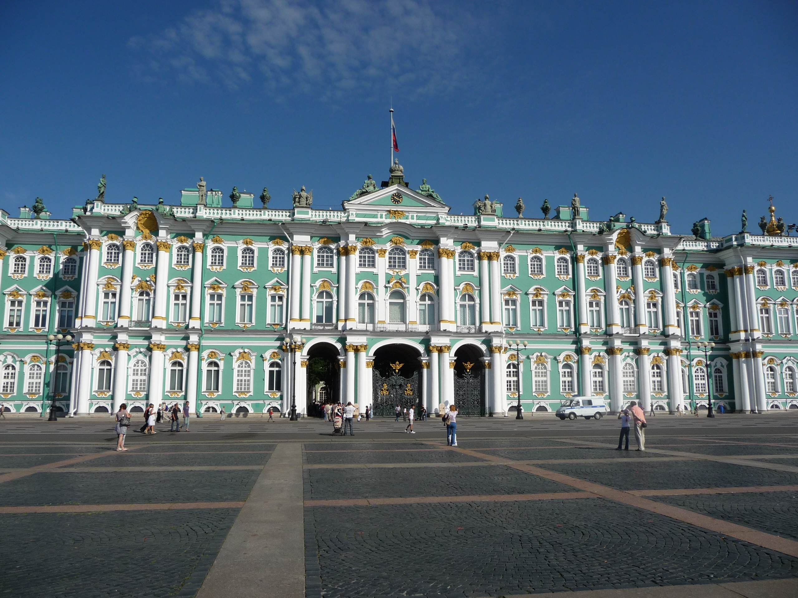 10 Famous And Historic Palaces In Russia