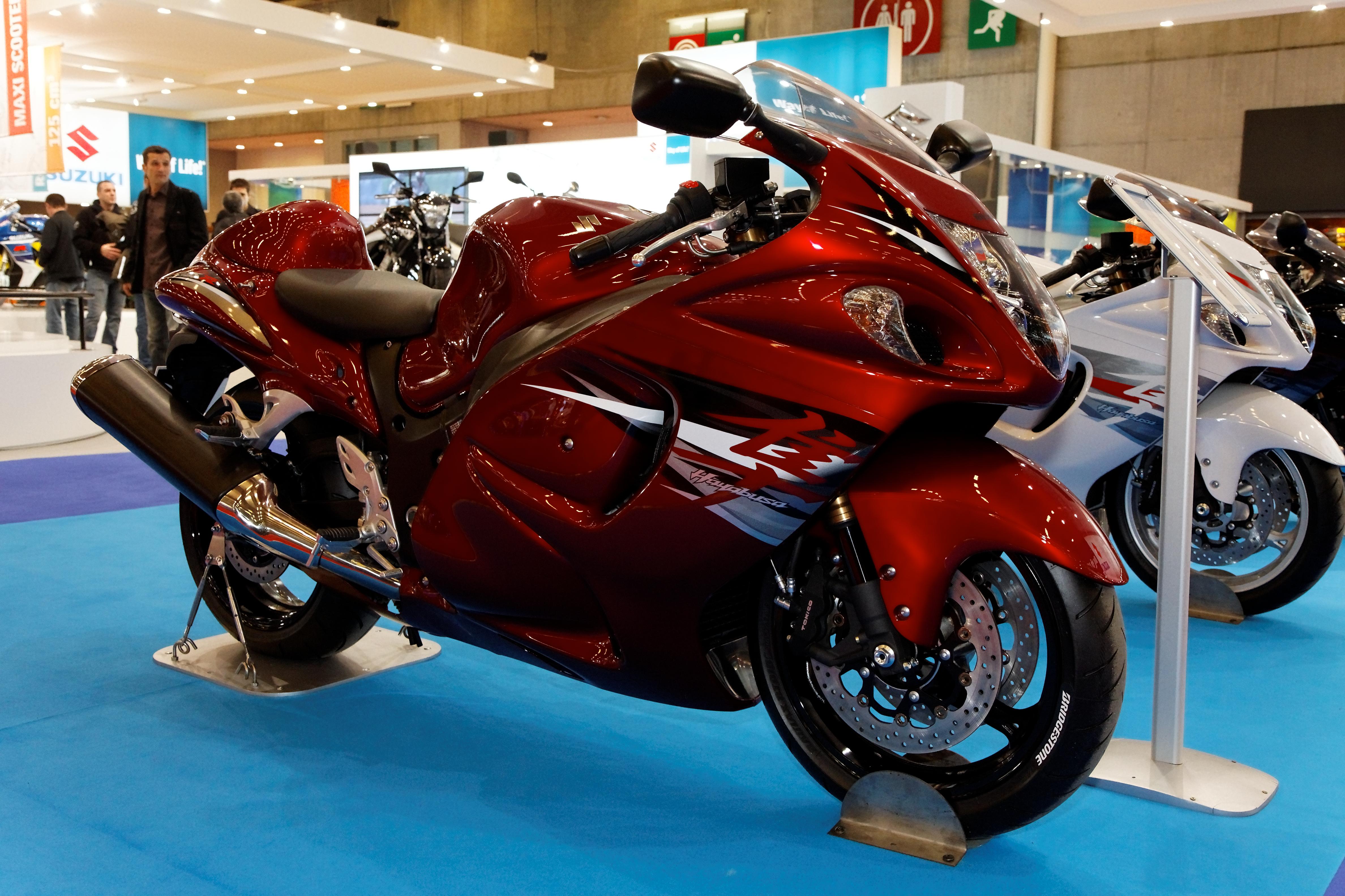File:Paris   Salon De La Moto 2011   Suzuki   Hayabusa   001.