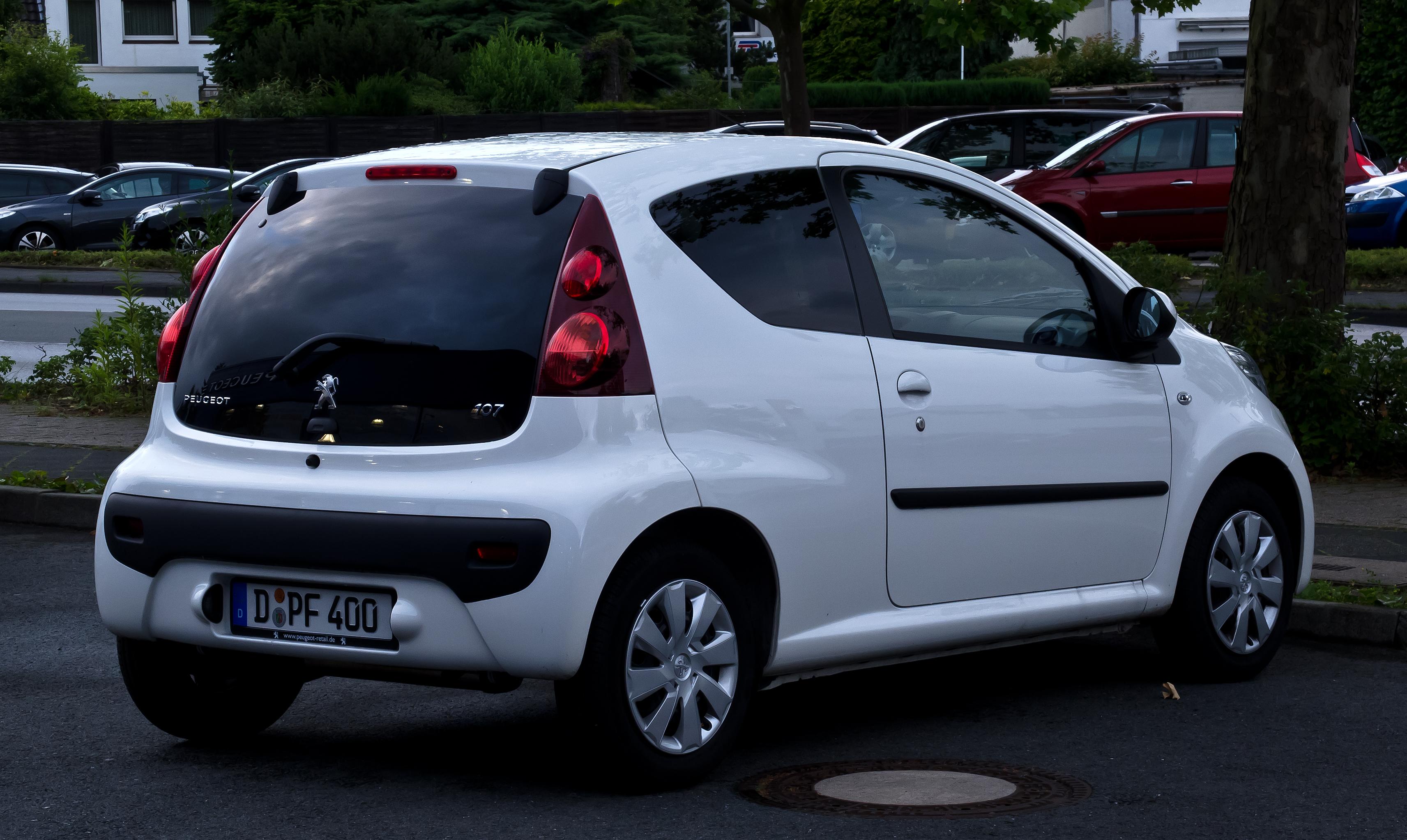 File Peugeot 107 68 Active 2 Facelift Heckansicht 24 Juni 2012 Ratingen Jpg Wikimedia Commons