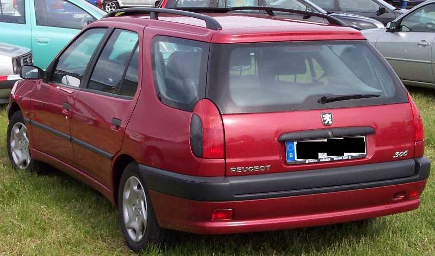 File peugeot 306 break darkred wikimedia commons for Interieur 306