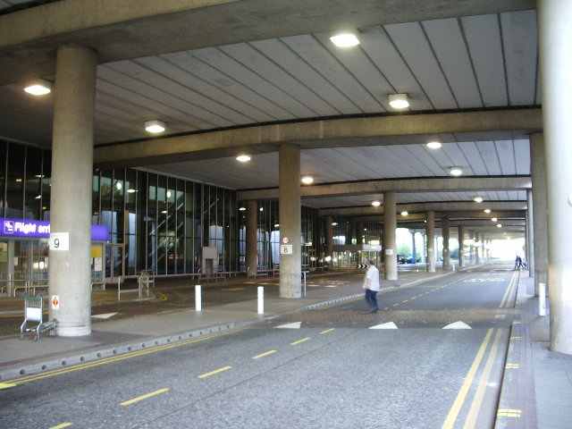 Leeds Airport Arrivals Car Park
