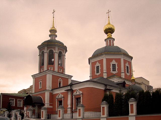 Храм Троицы Живоначальной в Троицкой слободе, в котором был крещён и венчался В.Л.Пушкин