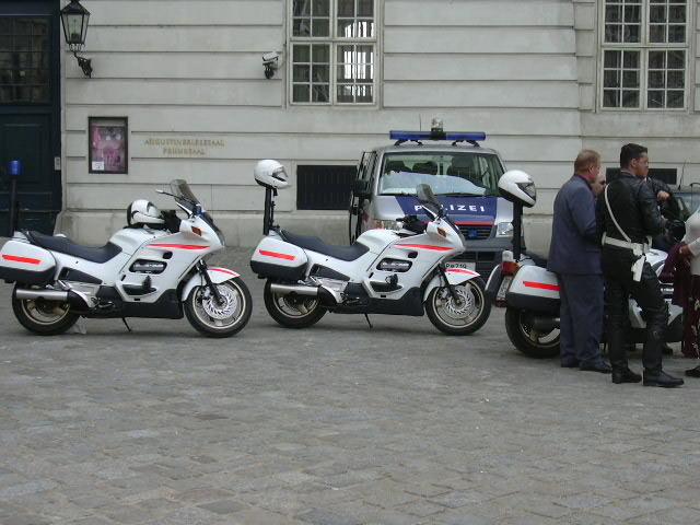 Bikes Vienna File Police Car Bikes Vienna