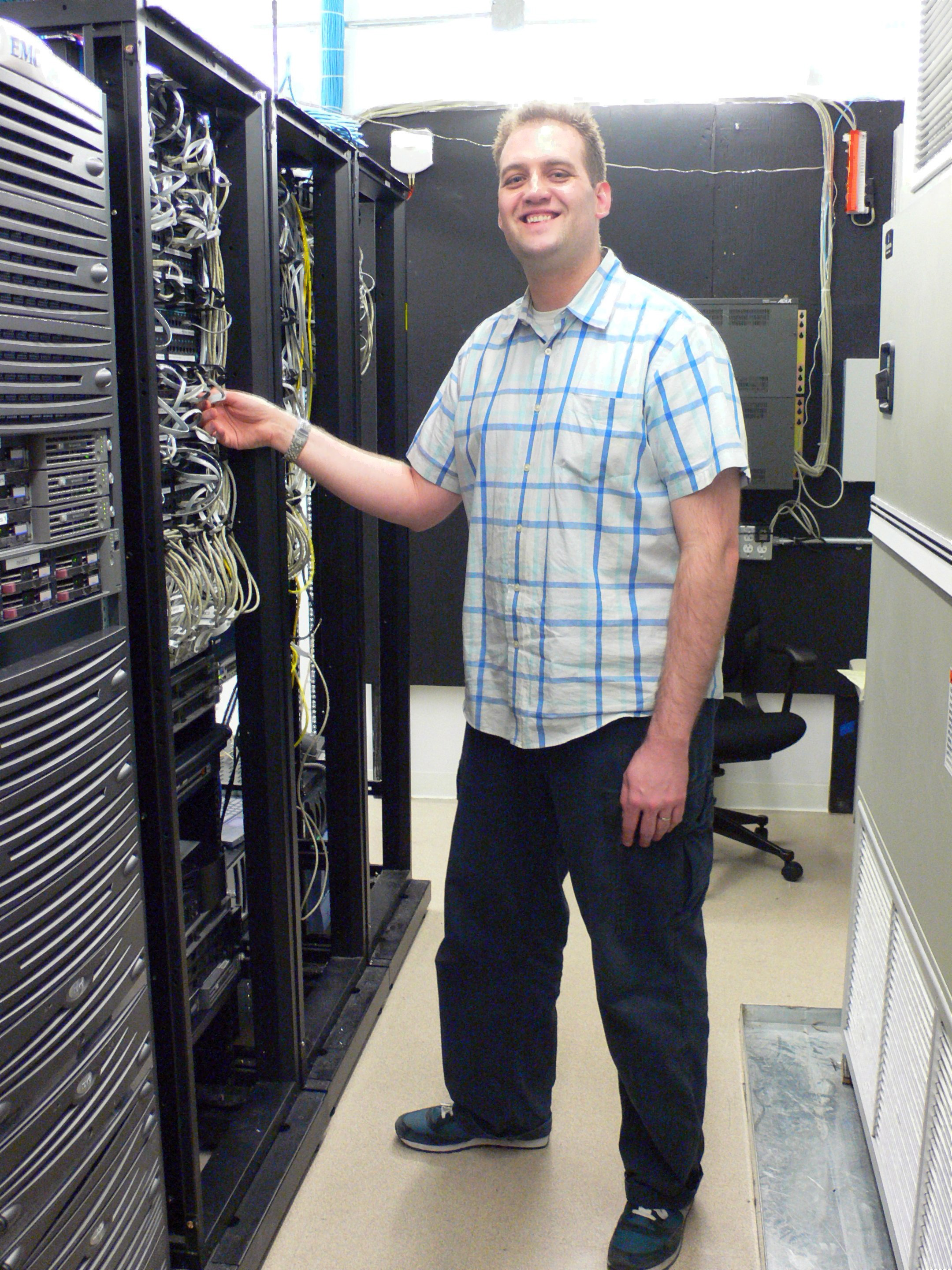 system administrator   wikipedia  the   encyclopediaprofessional system administrator jpg