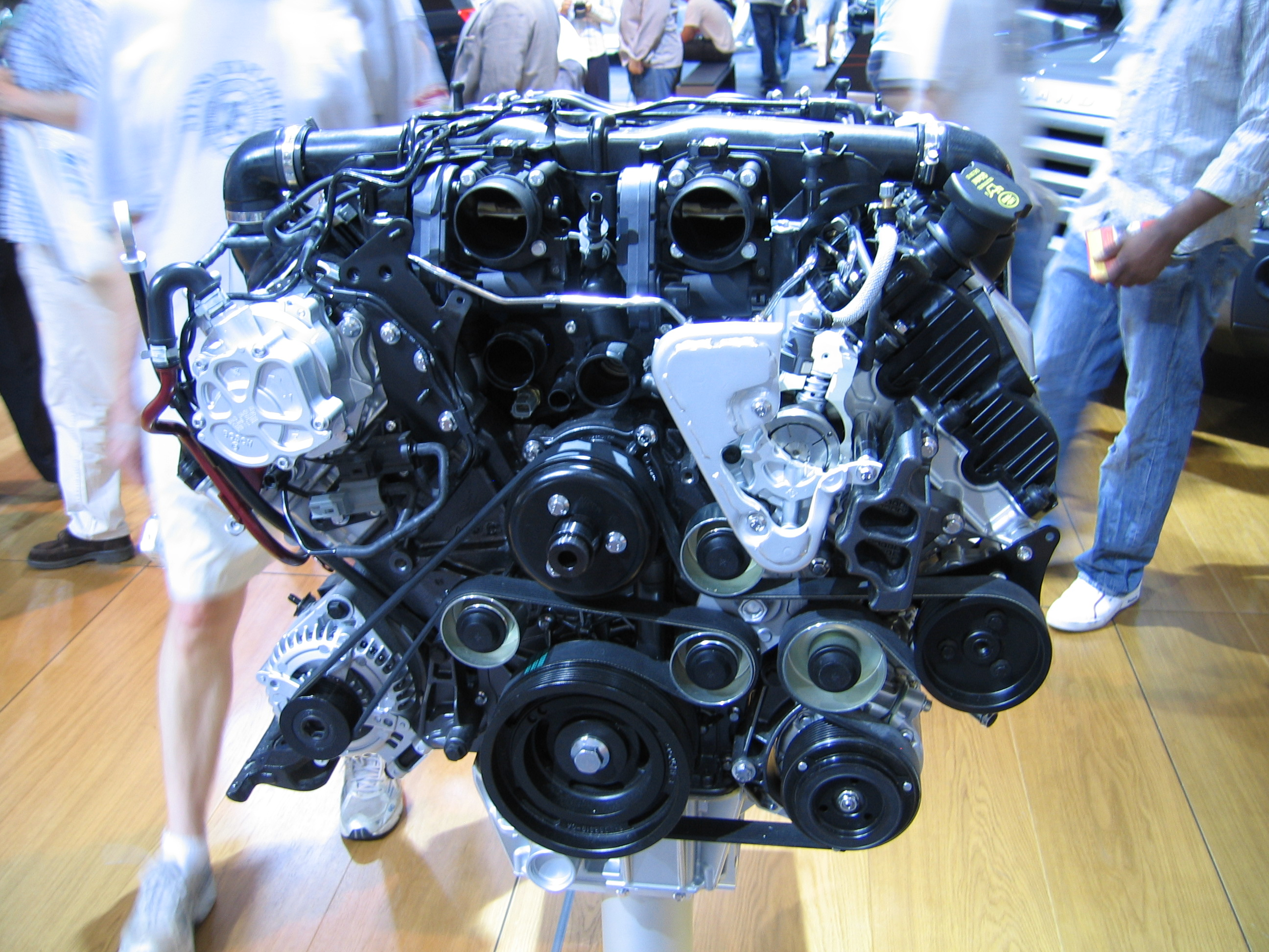 file range rover v8 supercharged engine flickr robad0b jpg