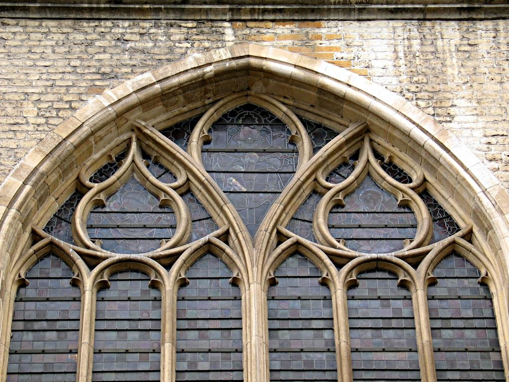 Reuleaux triangles on a window of Sint-Baafskathedraal, Ghent 2.jpg