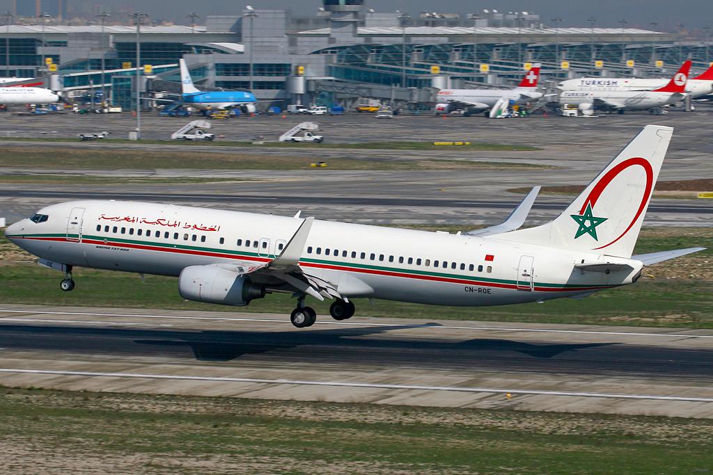 Royal_Air_Maroc_Boeing_737-800_CN-ROE_IST_2007-3-3.png