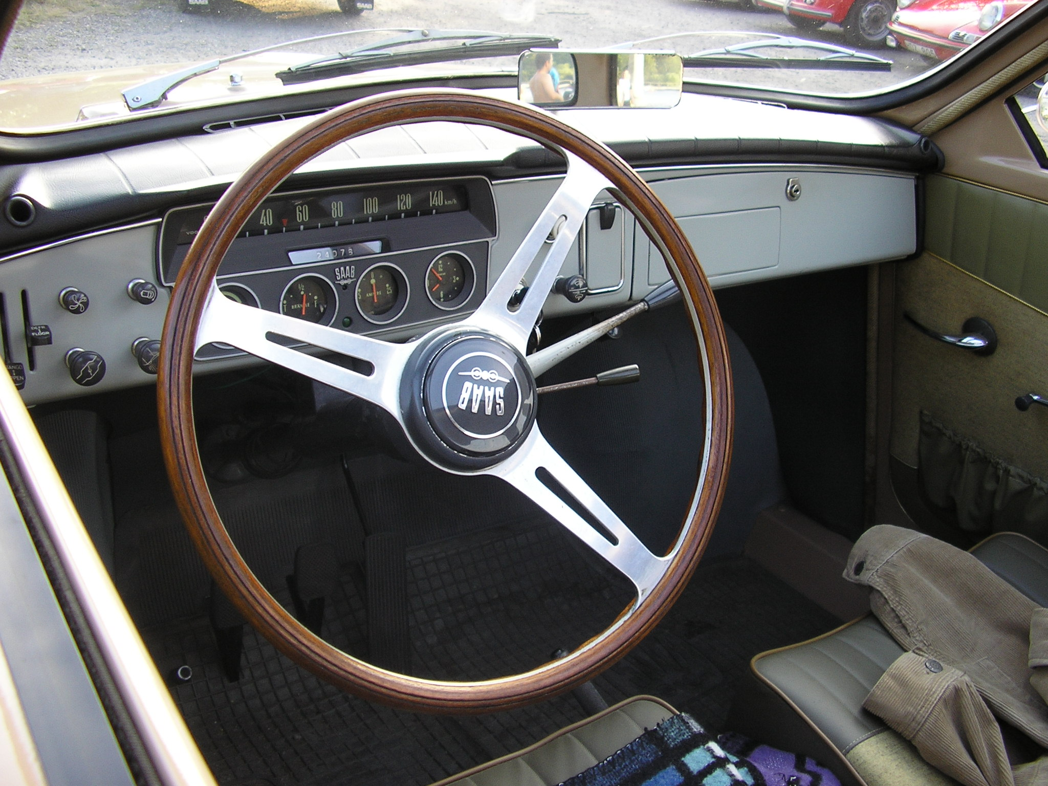 Description SAAB96-interior.jpg