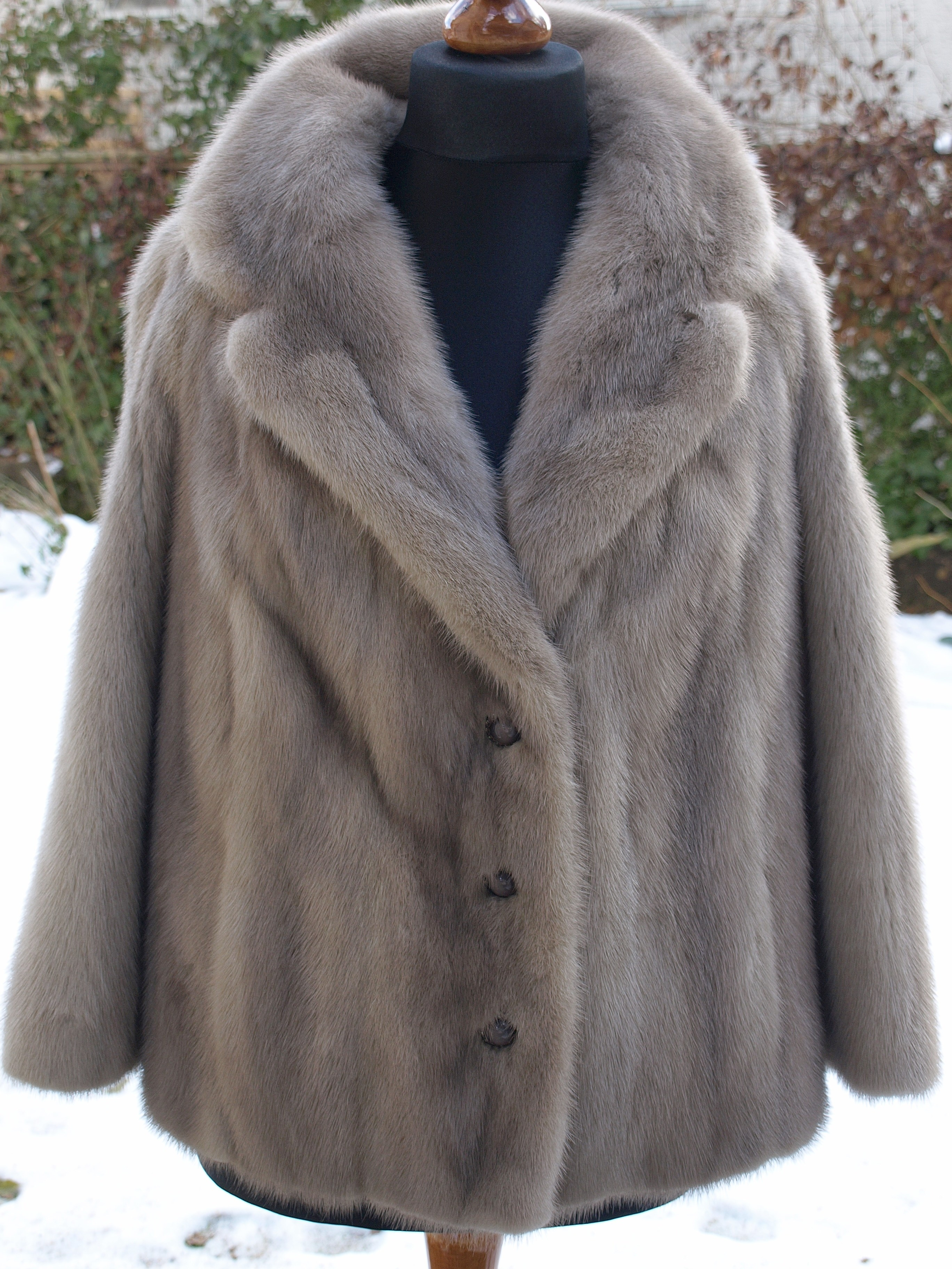 File:Sapphire mink fur jacket.jpg