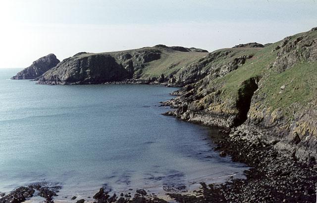 File:South-eastern coast of Skomer - geograph.org.uk - 1434332.jpg
