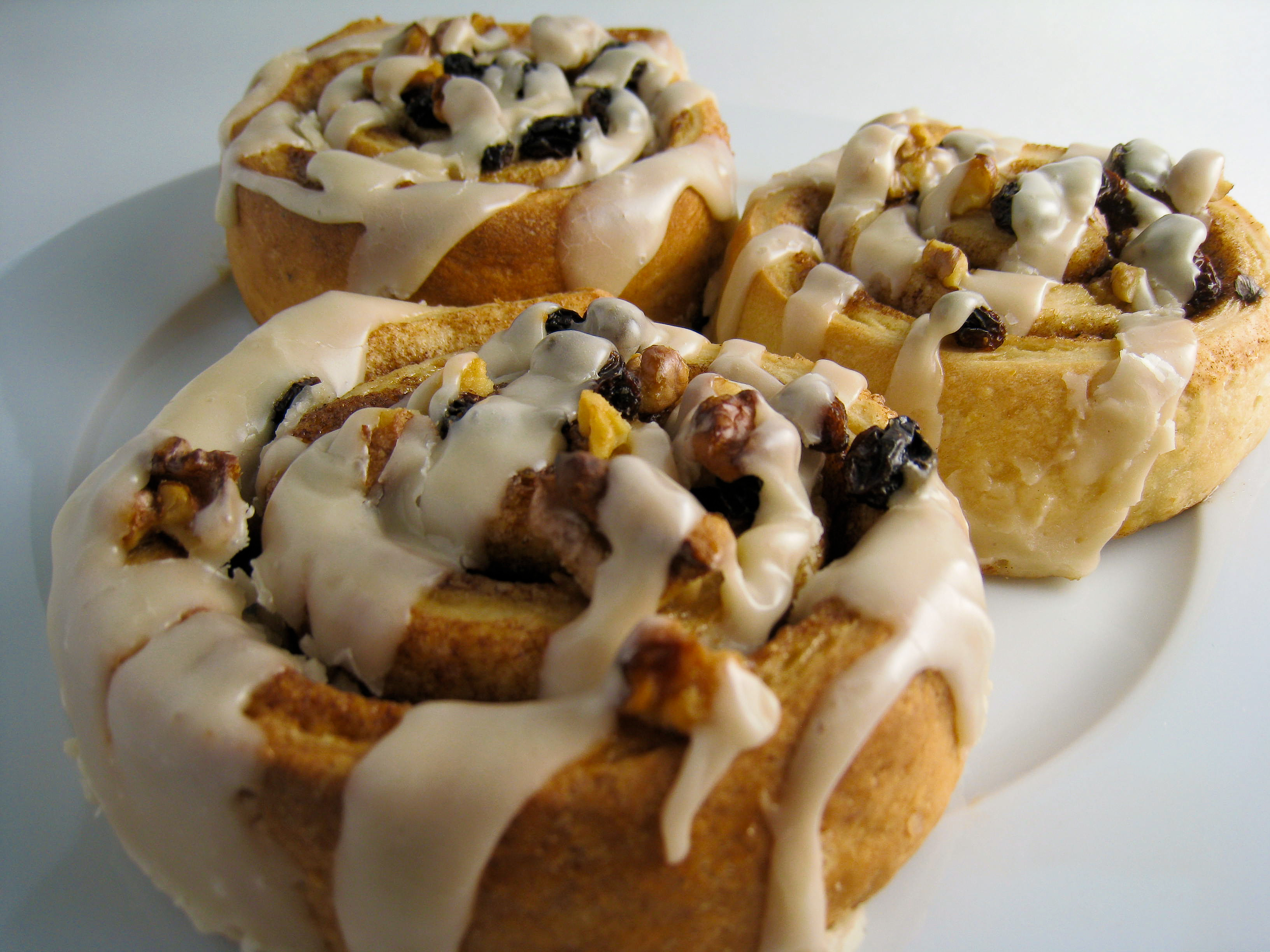 Image result for vegan cinnamon rolls