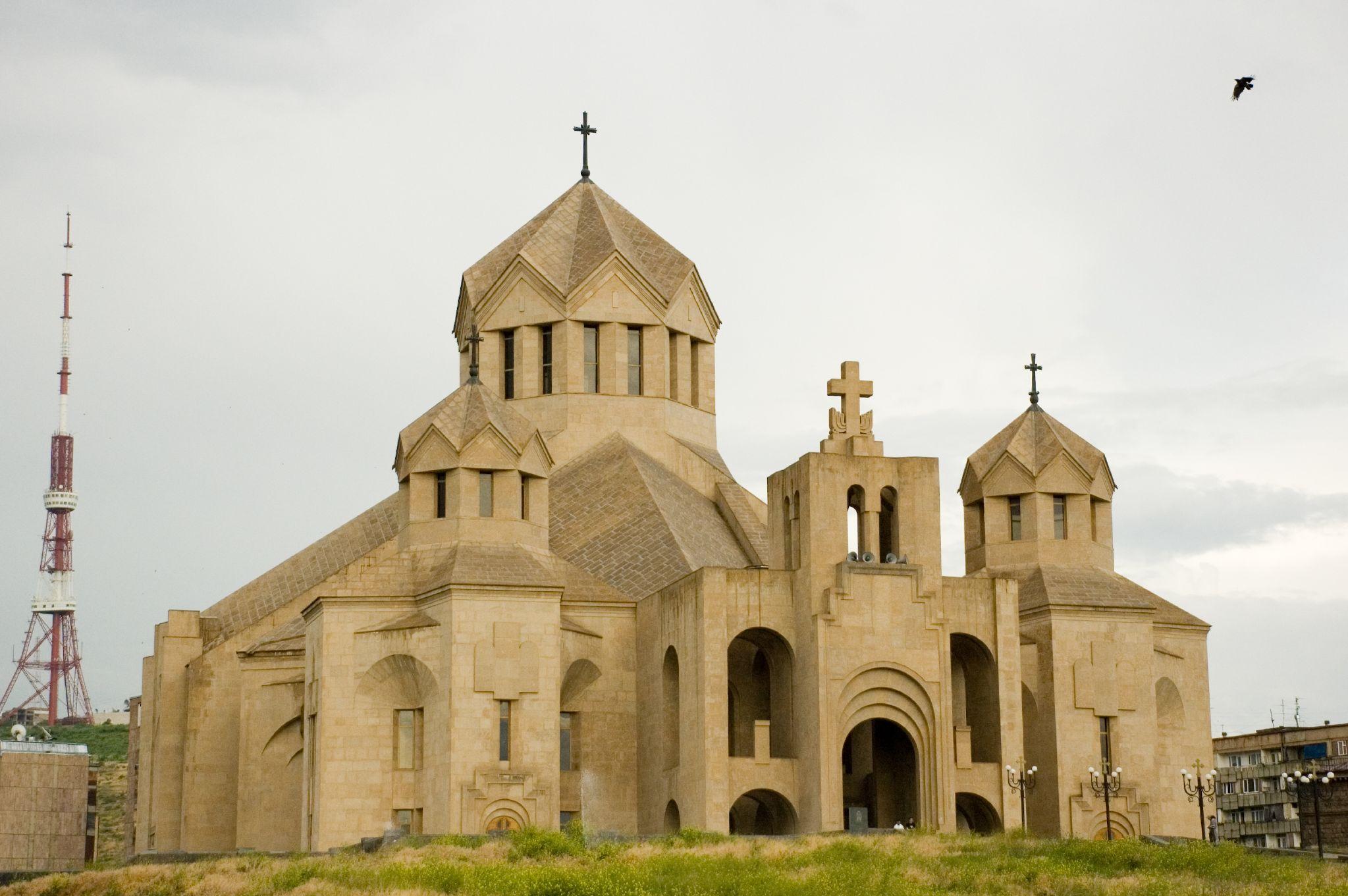 File:Surp Grigor church Yerevan5.jpg - Wikimedia Commons