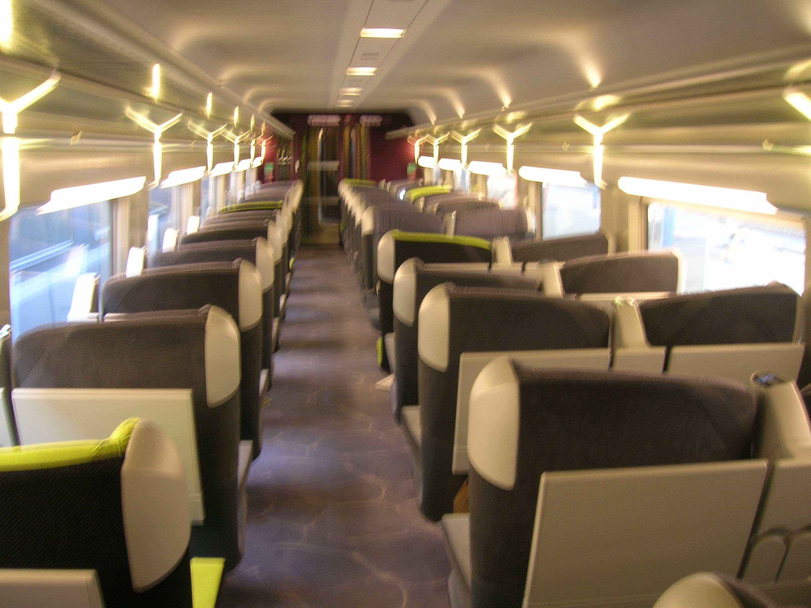 File tgv lacroix 1e cl jpg wikimedia commons for First class 8 interieur