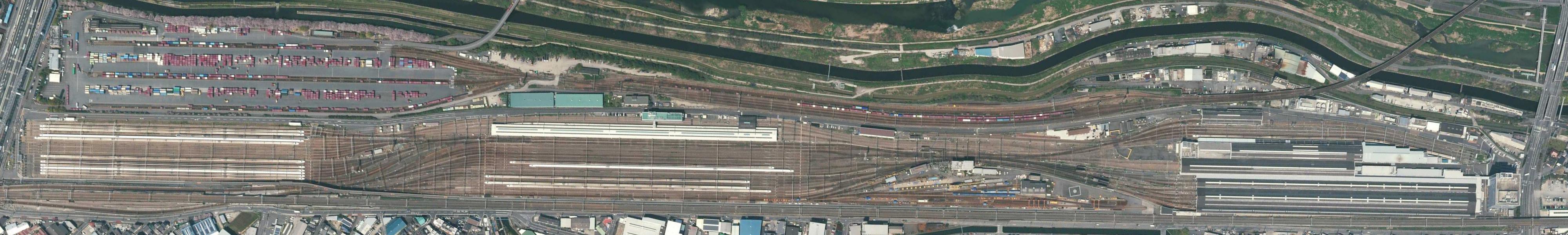 https://upload.wikimedia.org/wikipedia/commons/e/eb/Torikai_Rail_Yard.2017.jpg