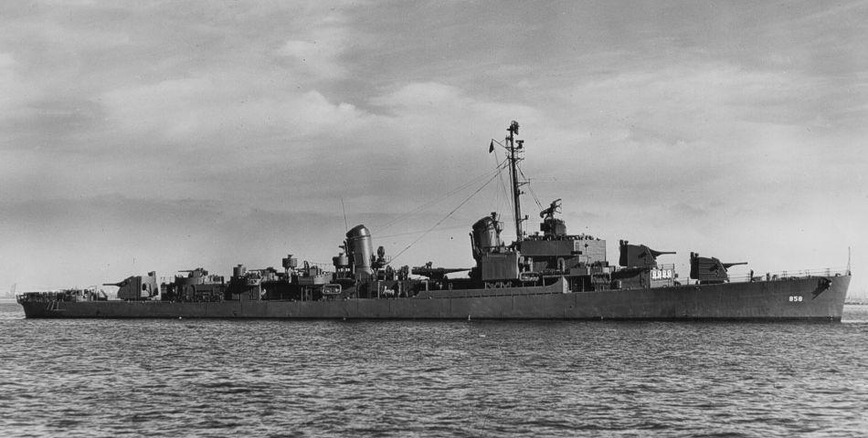 File:USS Fred T  Berry (DD-858) off San Pedro CA in 1945 jpg