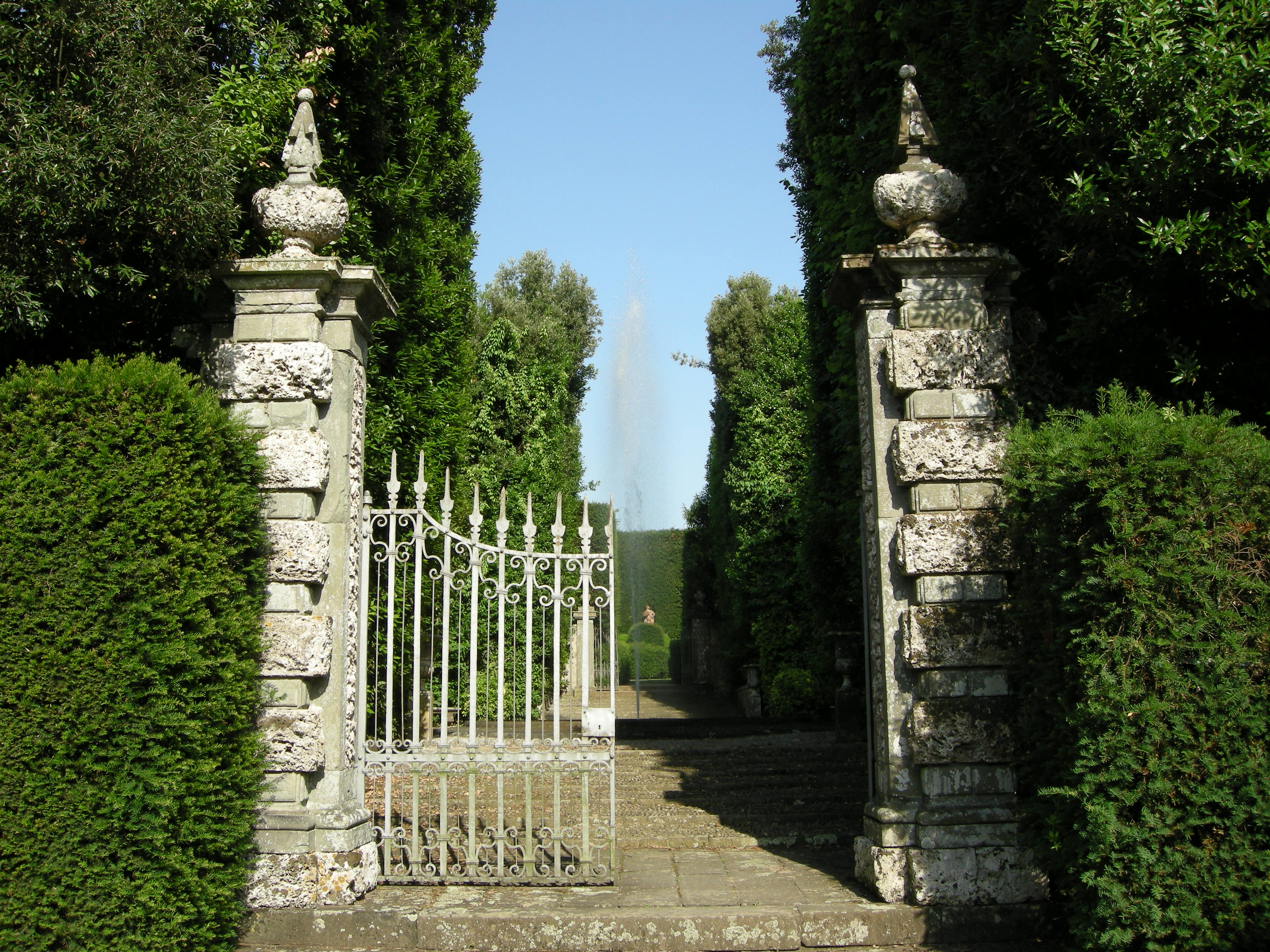 Cancello Villa Reale