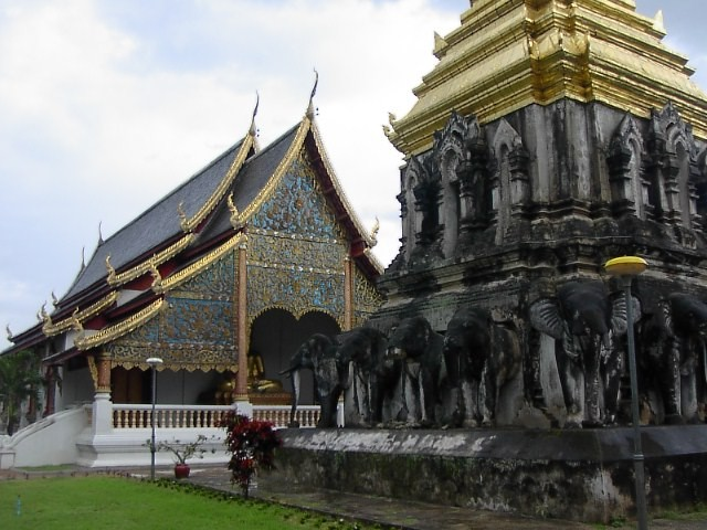 Wonderful Places in Asia: Wat Chiang Man - Chiang Mai