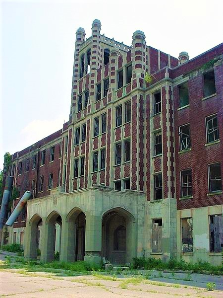Waverly Hills Sanatorium main entrance