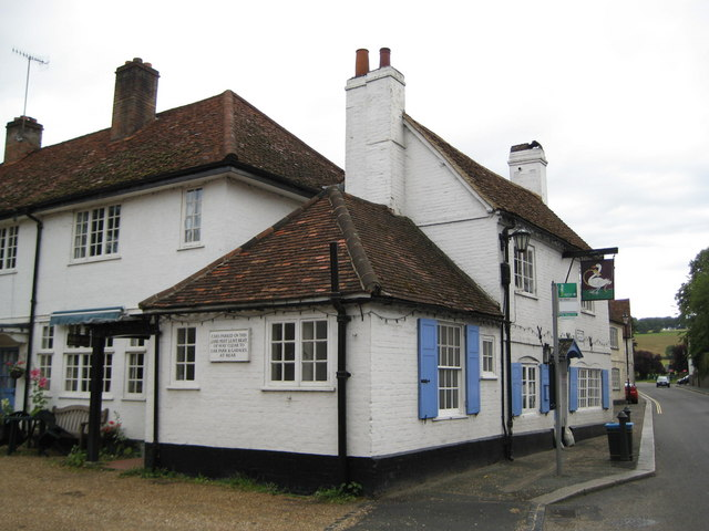 West Wycombe, The Swan Inn - geograph.org.uk - 888606