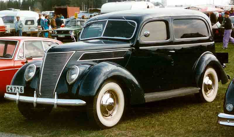 1937_Ford_Model_78_780_De_Luxe_Sedan_Delivery_CCL954.jpg