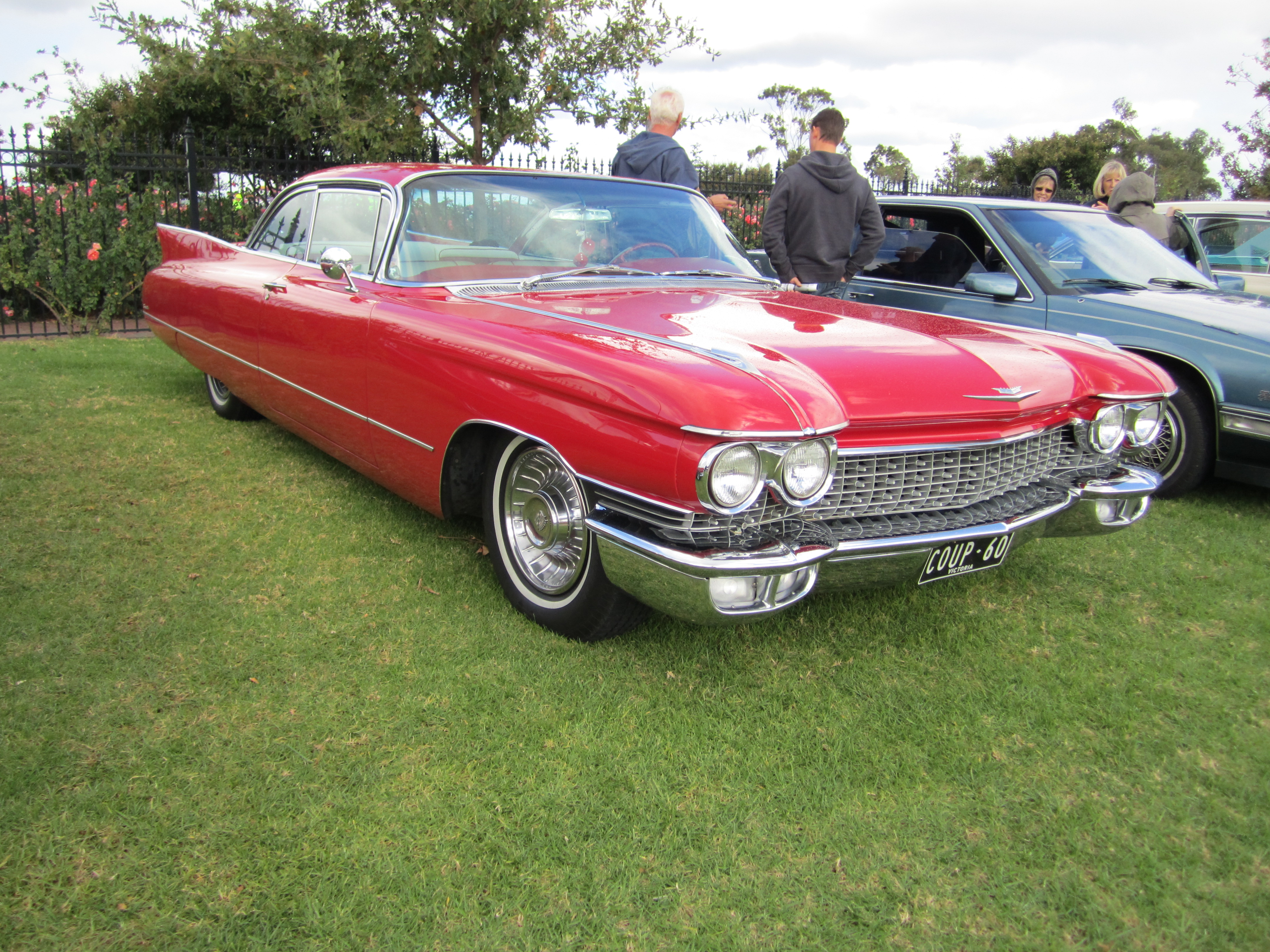 File:1960 Cadillac Coupe deVille.jpg - Wikimedia Commons