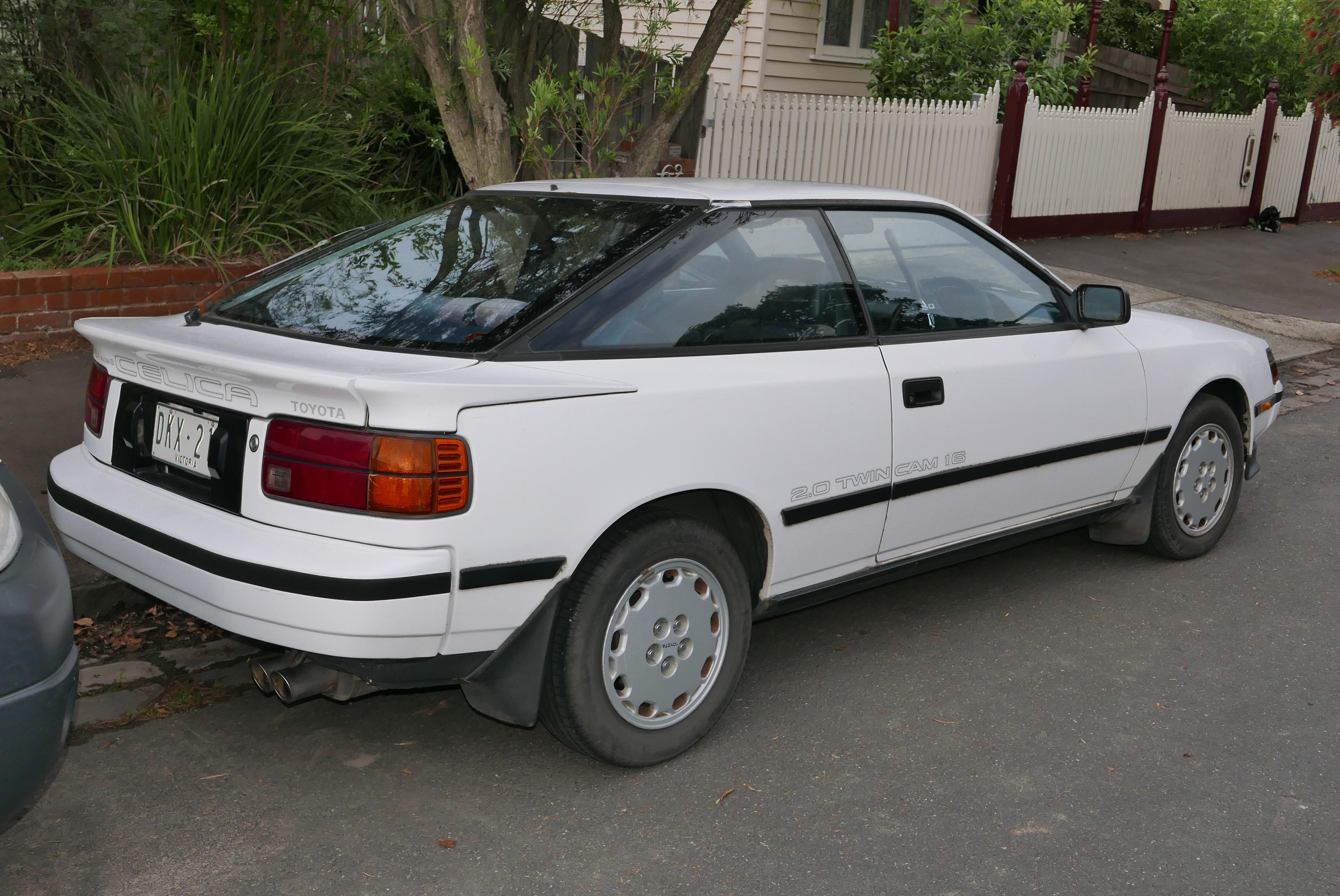Toyota Celica 2015 >> File:1988 Toyota Celica (ST162) SX liftback (2015-11-11) 02.jpg - Wikimedia Commons